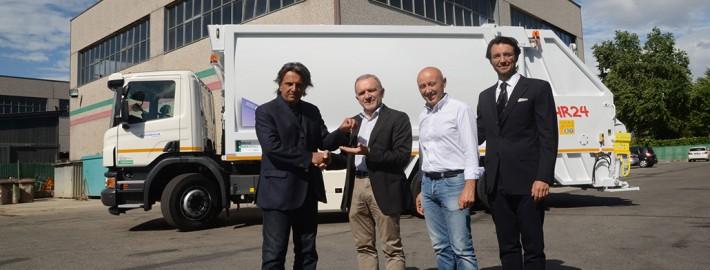 Un nuovo mezzo a metano per la raccolta dei rifiuti
